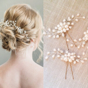 At the wedding, the hairpin can not only clamp the wedding dress, but also arrange the broken hair. It is an indispensable accessory at the wedding.