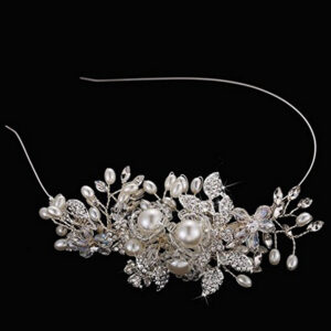The hairband is embellished with crystals, pearls and rhinestones, for lots of sparkle.