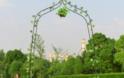 Creating a Flower Archway for Your Wedding? Here's a DIY Guide!